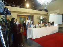 Licda Alvarez speaks to the Honduran Ministerial Cabinet