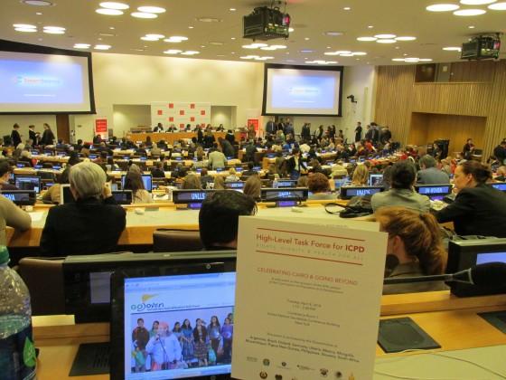 GOJoven Regional participando en las plenarias