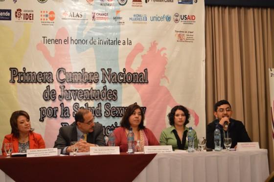 Becarios de GOJoven Guatemala organizan la Primera Cumbre Nacional de Juventudes por la Salud Sexual y Reproductiva